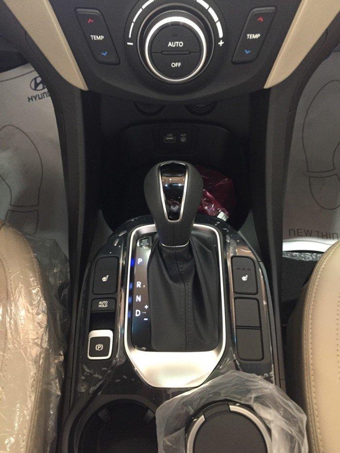 Hyundai Santa Fe sản xuất năm 2018 Số tự động