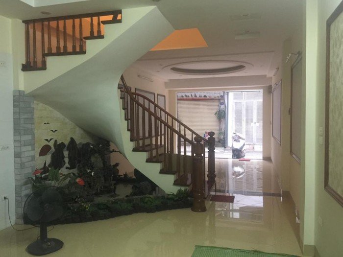 Bán nhà mới đẹp phố Nguyên Hồng – Đống Đa – Hà Nội.