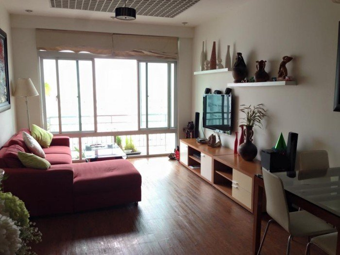 Cần cho thuê gấp căn hộ Tản Đà Quận 5, Dt : 100m2, 3pn