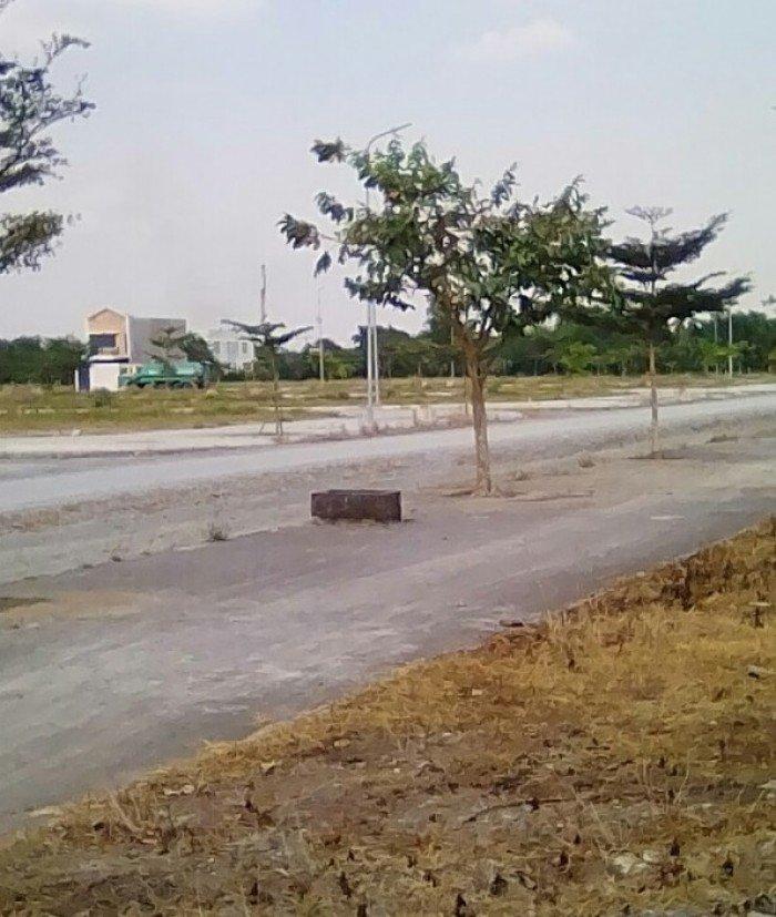 Cần bán gấp lô đất đường Thanh Niên, sổ riêng, Bình Chánh, chỉ 530tr