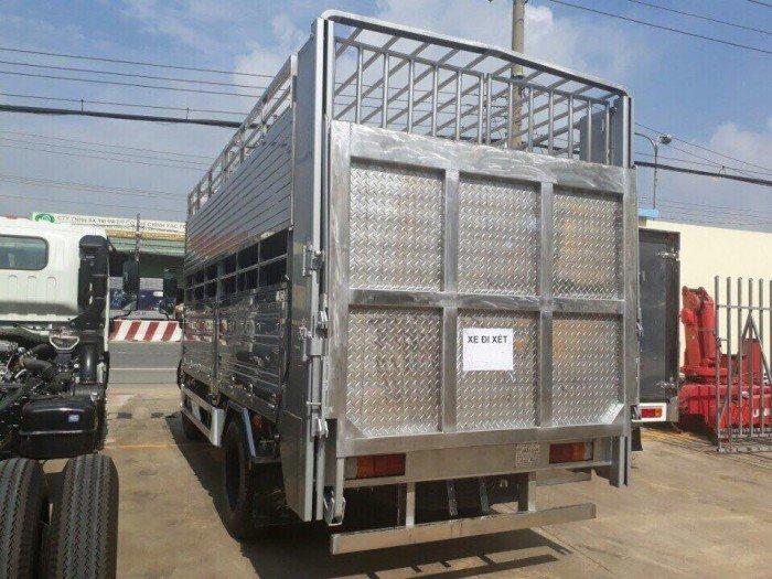 xe tải Hino 5tan thùng bạt, kín, lửng,,,,khuyến mãi 1 chỉ vàng SJC, phù hiệu, 100 lít dầu, mui lướt gió...