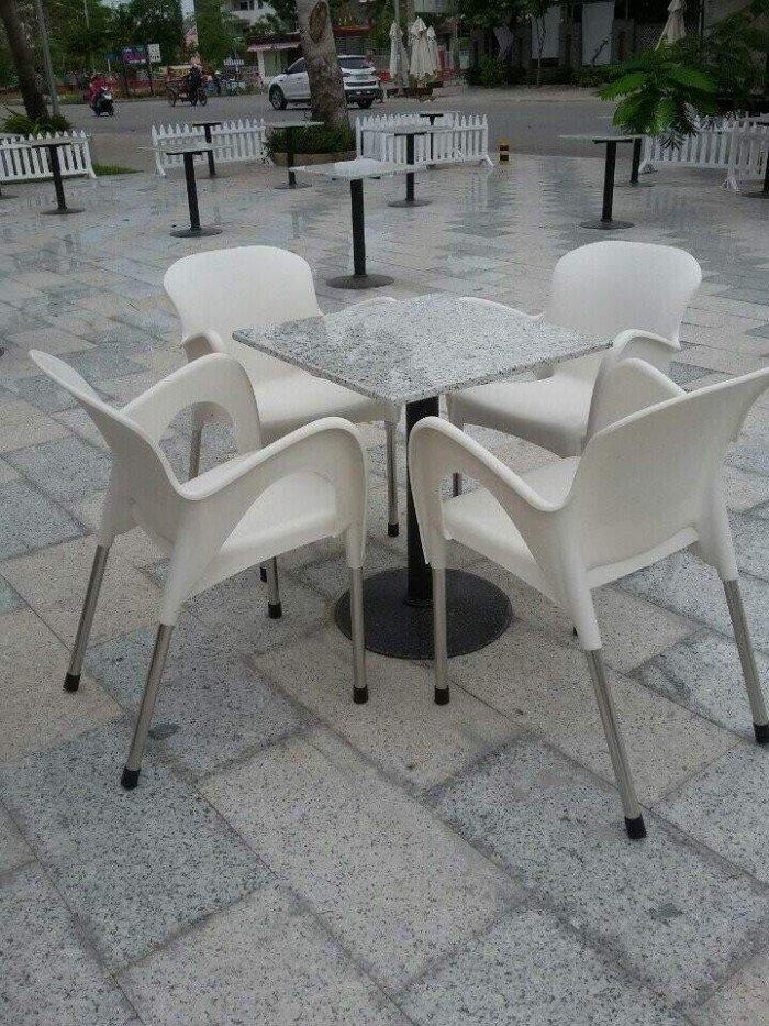 bàn ghế cafe nhựa đúc giá rẻ nhất10
