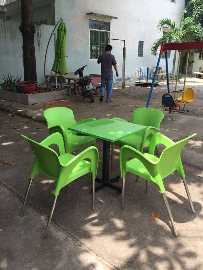 bàn ghế cafe nhựa đúc giá rẻ nhất5