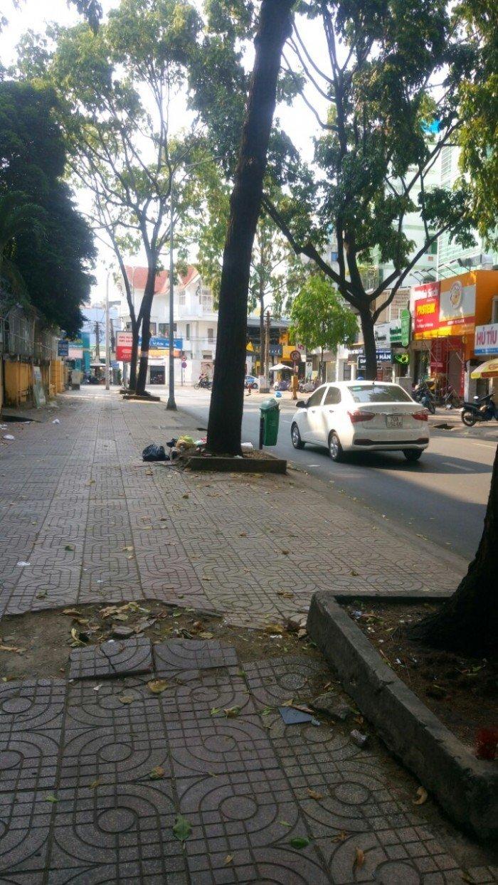 Nhà bán mặt tiền Lý Tự Trọng và Nguyễn Du phường Bến Thành quận 1, 4x17m