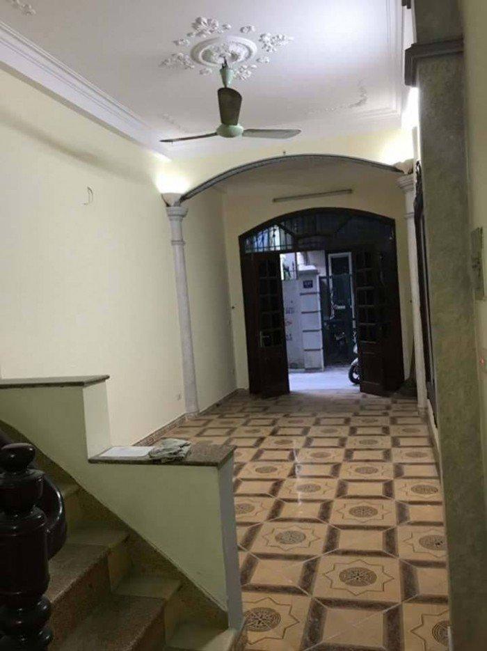 Bán nhà Quan Hoa 30m ra phố 50 m2