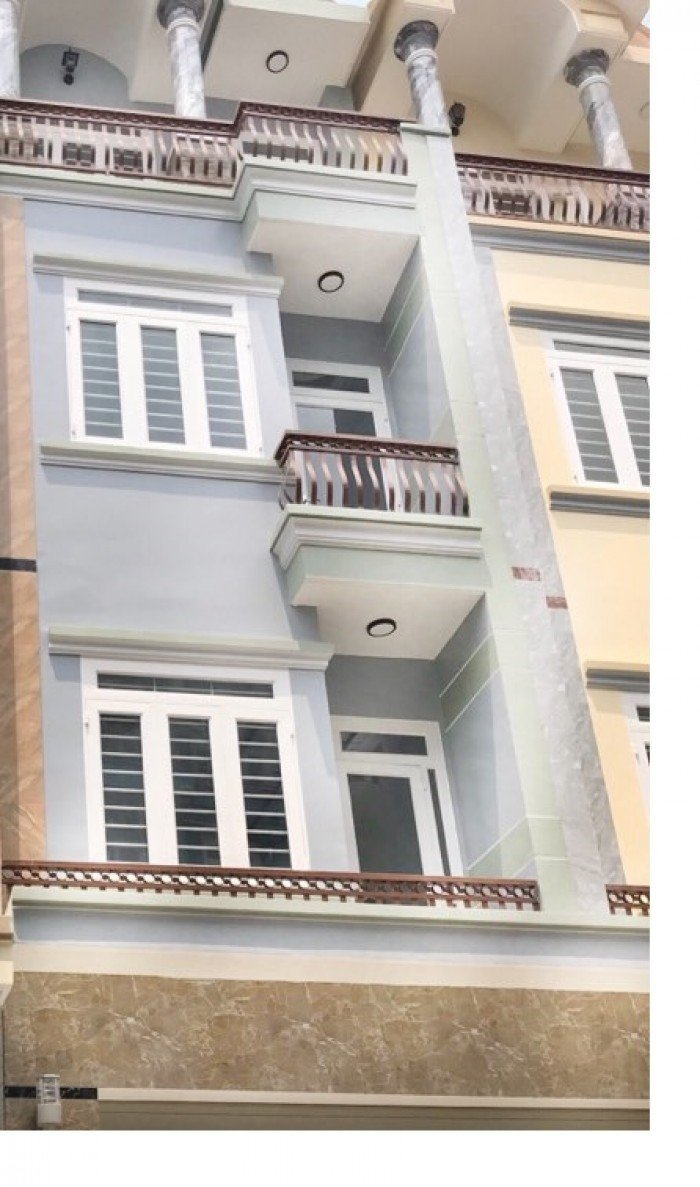 Nhà dọn vào ở liền 1 trệt 3 lầu ngay Mã Lò