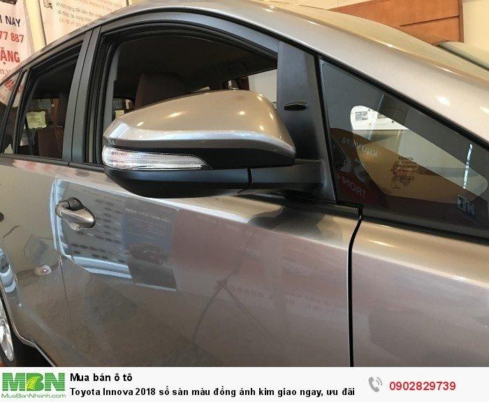 Toyota Innova 2018 số sàn màu đồng ánh kim giao ngay, khuyến mãi đặc biệt, tài trợ ngân hàng 80%