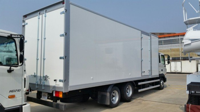 Xe Huyndai 12.7 tấn, thùng đông lạnh HD 210