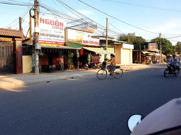 Nhà 2 Mt / đường 385, Tăng Nhơn Phú , Q9, gan trường cao đẳng tài chính , có thể tách làm 2 căn