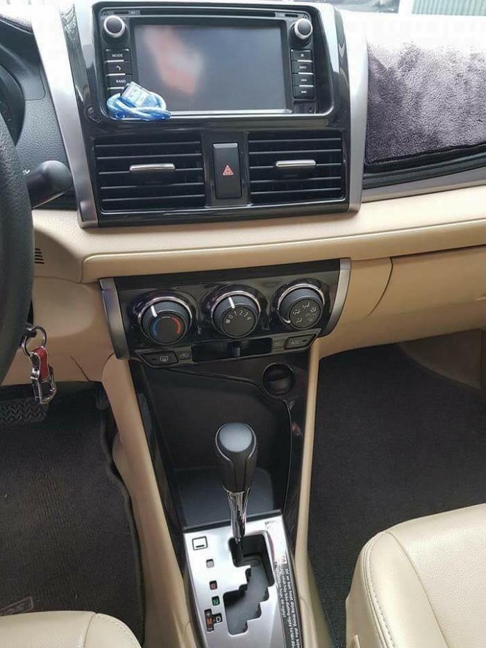 Cần bán xe Toyota Vios E 2016 số tự động màu bạc chính chủ đập thùng 1