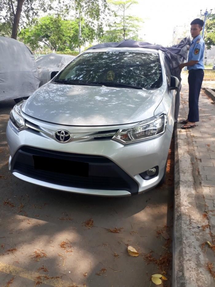 Cần bán xe Toyota Vios E 2016 số tự động màu bạc chính chủ đập thùng 2