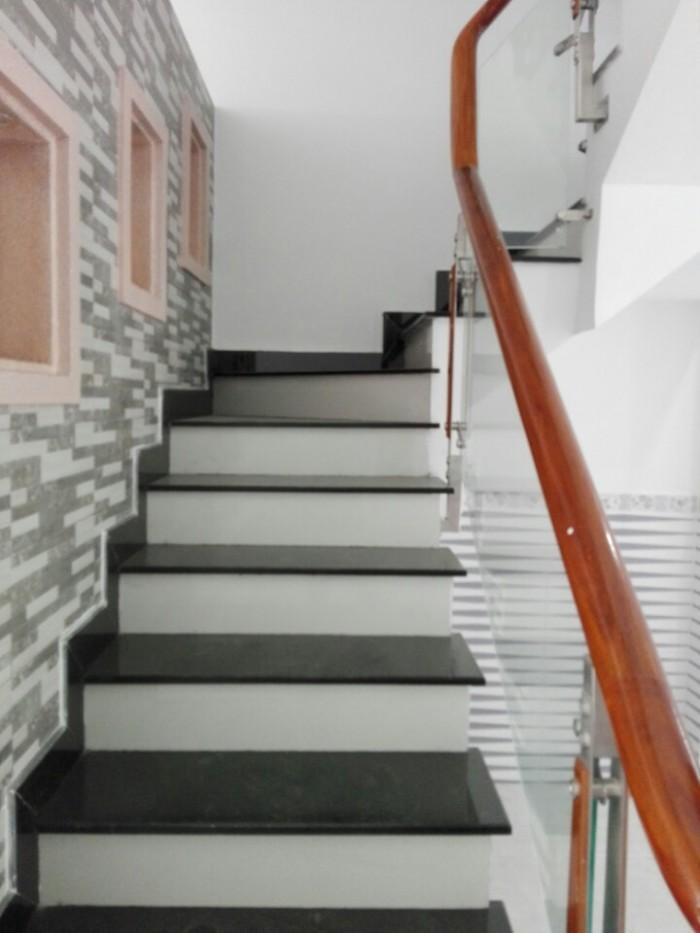 Nhà Trần Phú q5, 4.5x 13, 2 lầu,