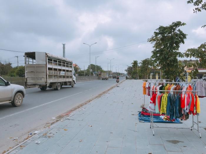 Tối cần bán gấp đất mặt tiền QL1A ngay trung tâm thị trấn Hà Lam. Thăng Bình