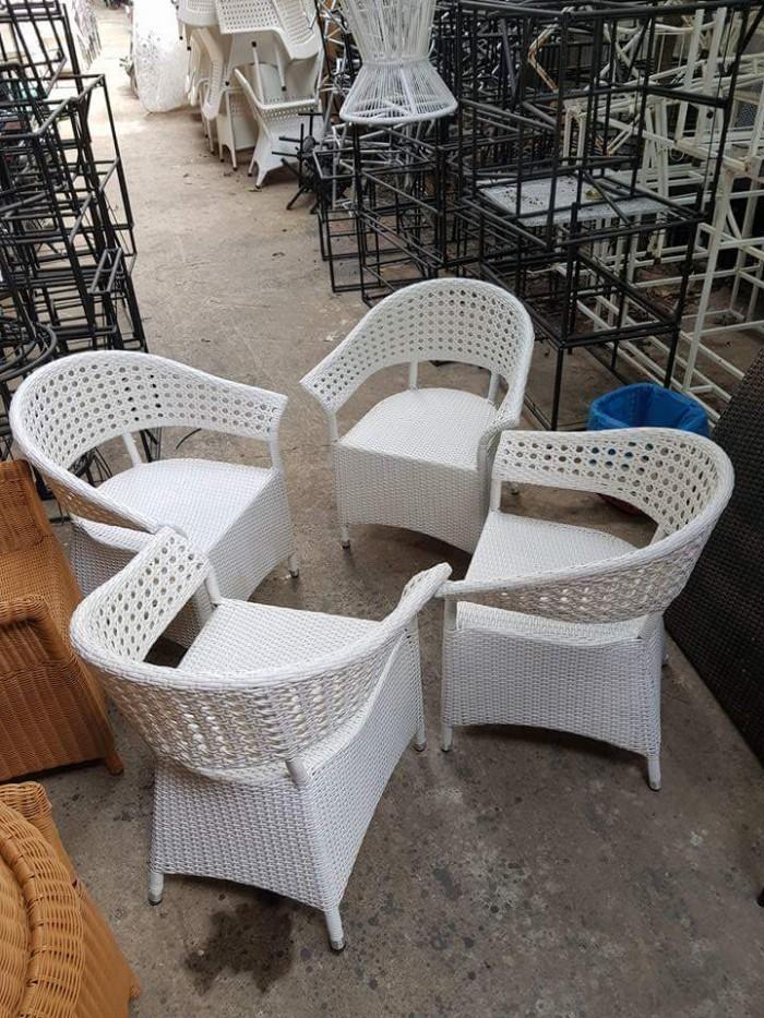 Bàn ghế cafe phong cách mới1