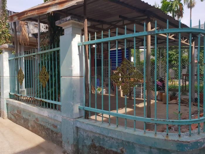Bán nhà cấp 4 góc 2 mặt tiền đường số 2 Hiệp Bình Phước
