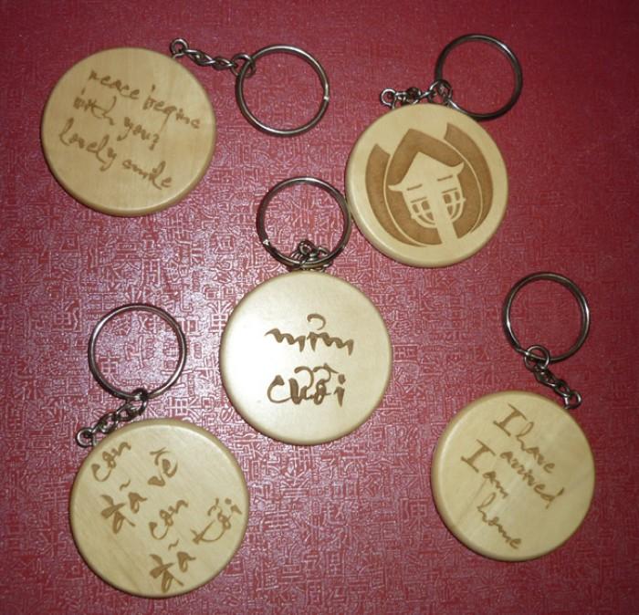 Móc khóa in logo dùng làm quà tặng2