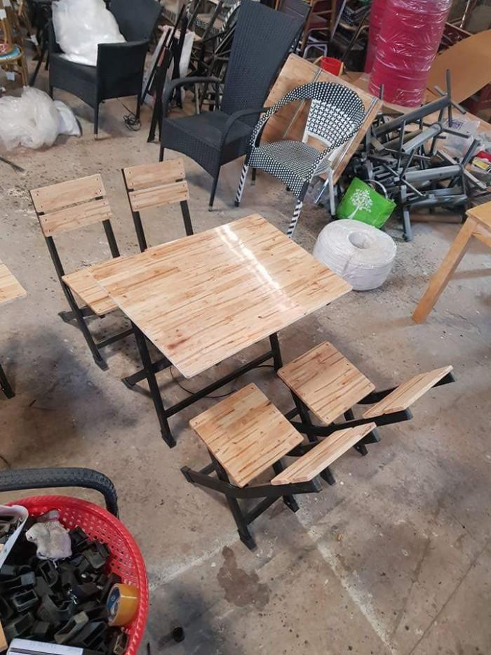 Bàn ghế gỗ xinh xắn1