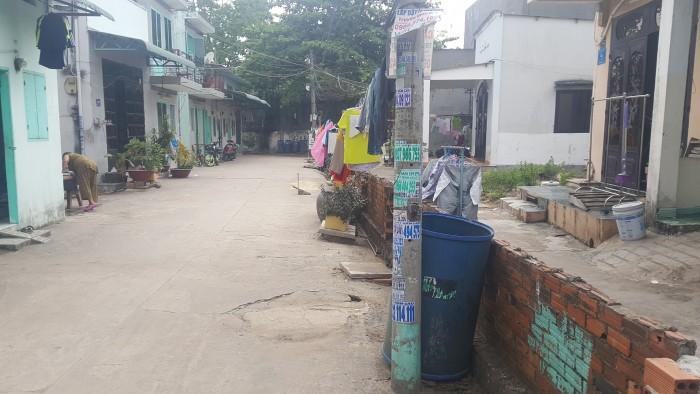Cần bán lô đất đường 120 Tân Phú quận 9,CẠnh suối tiên