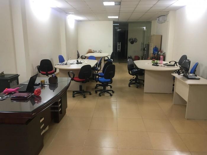 Cho thuê tòa nhà văn phòng tầng 1 2 4 đường Hồ Tùng Mậu.