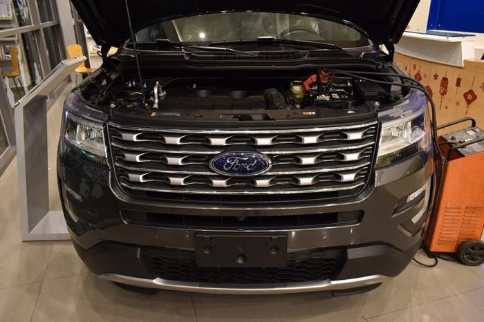 Bến Thành Ford - Ford Explorer - chuyên cơ mặt đất, nhận xe chỉ với 670 triệu trả trước