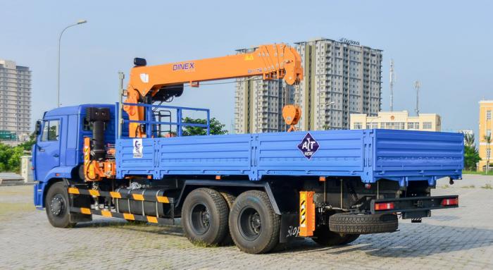 Xe tải cẩu tự hành dinex 7 tấn Kamaz 65117 nhập khẩu từ nga
