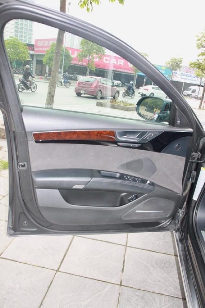 Audi A8 sản xuất năm 2010 Số tự động Động cơ Xăng