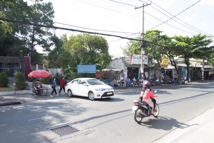 Nhà 1 trệt số 754 gần chợ thủ đức 2 măt tiền Kha Vạn Cân