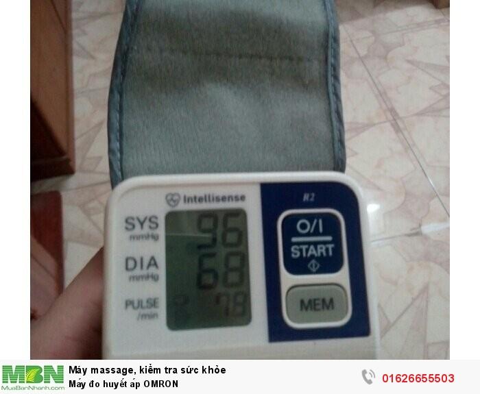 Máy đo huyết áp OMRON0