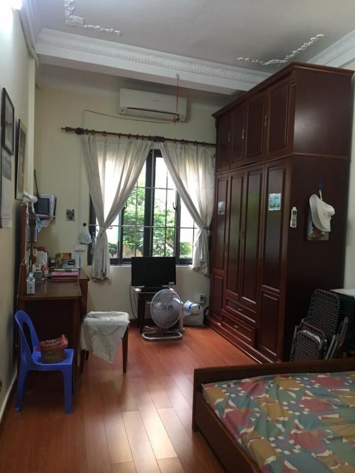Bán nhà riêng Chùa Bộc, ô tô đỗ cửa, 35m2