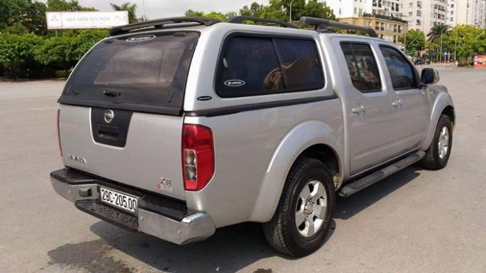 Nhà ít đi bán Nissan Navara 4x4 nhập Thái 2015 tự động màu bạc xe đẹp