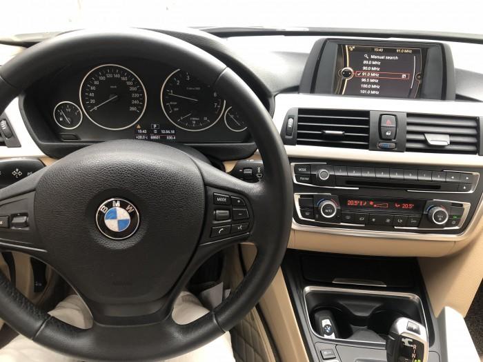 BMW 320i sản xuất năm 2012 Số tự động Động cơ Xăng
