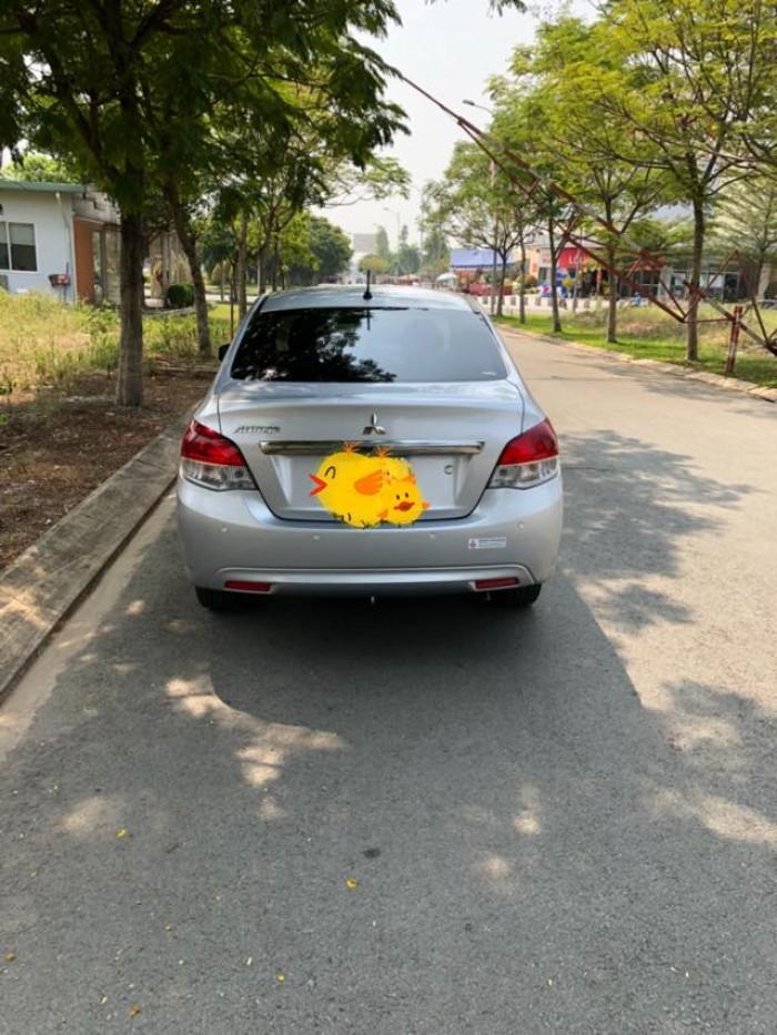 Cần bán xe Mitsubishi Attrage 2016 số sàn nhập khẩu