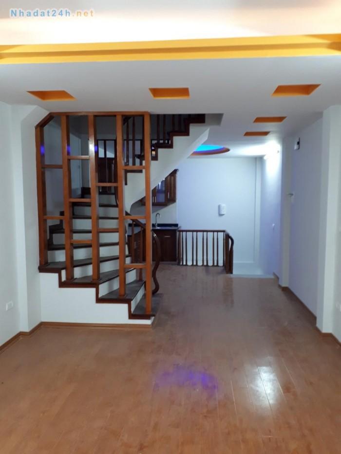 Chính chủ bán nhà 40m2x4T, giá rẻ cho hộ gia đình trẻ tại Xa La, Phúc La, Hà Đông