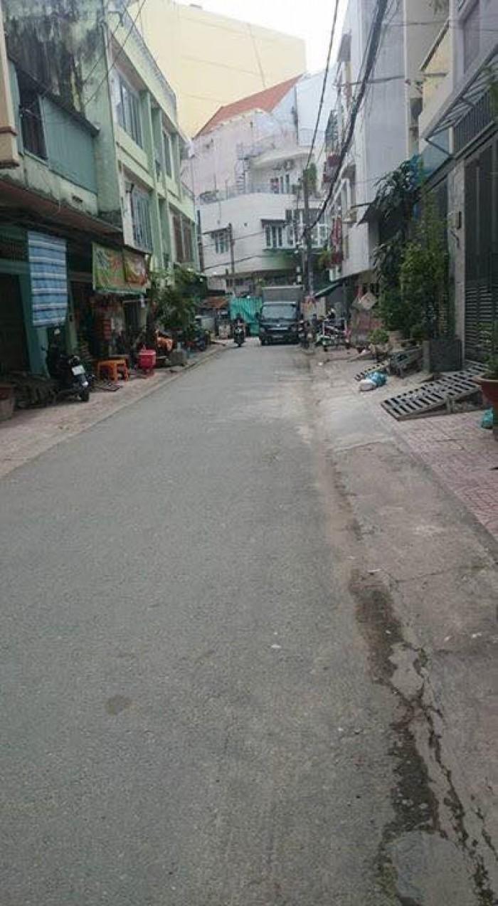 Hoài Linh bán nhà Tải đua trước cửa Bình Thạnh