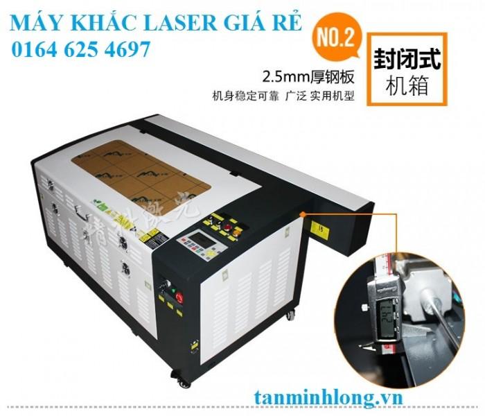 Máy cắt khắc laser giá rẻ tại sài gòn0