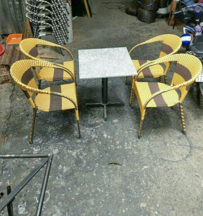Bàn ghế giá rẻ thanh lý Htt101