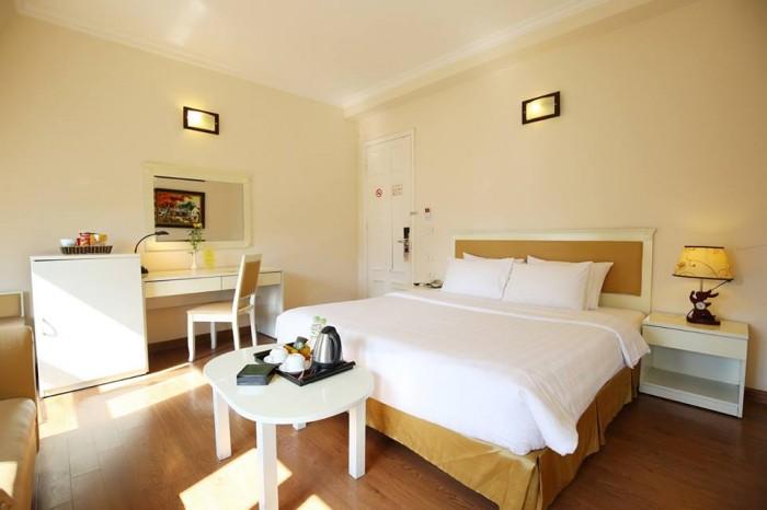 Bán khách sạn mặt phố Hàng Bún Ba Đình, 240m2 7 tầng mặt tiền 7,5m 86 tỷ