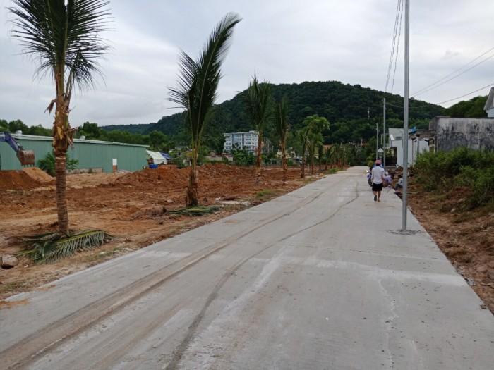 Bán đất mặt tiền đường Nguyễn Chí Thanh,gần trung tâm thị trấn Dương Đông Phú Quốc
