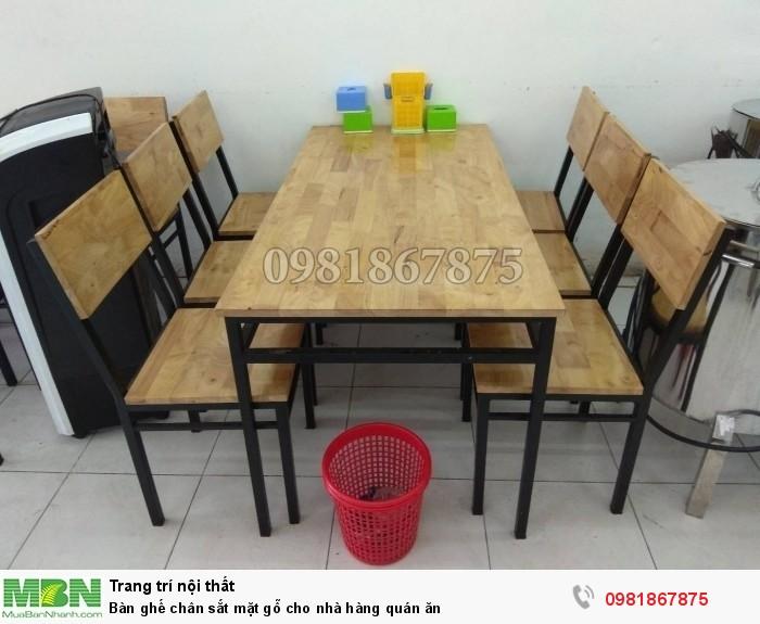 Bàn ghế chân sắt mặt gỗ cho nhà hàng quán ăn