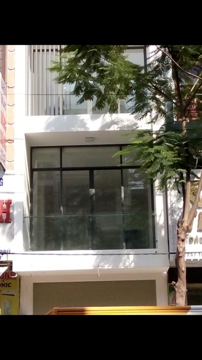 Bán nhà MT Kênh Nước Đen, dt 4x5m, đúc 2 lầu