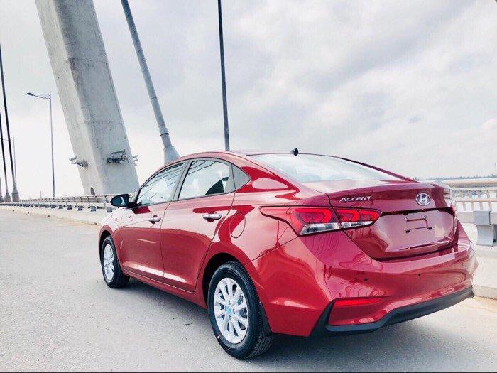 Hyundai Accent 1.4 full 4