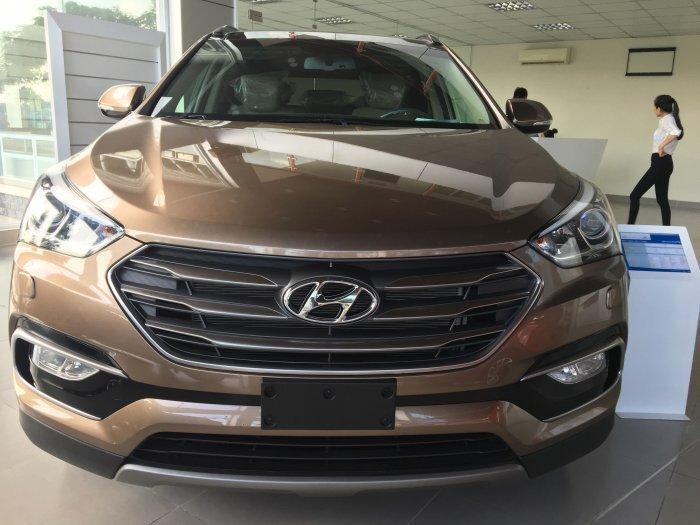 Hyundai Santa Fe sản xuất năm 2018 Số tay (số sàn) Dầu diesel