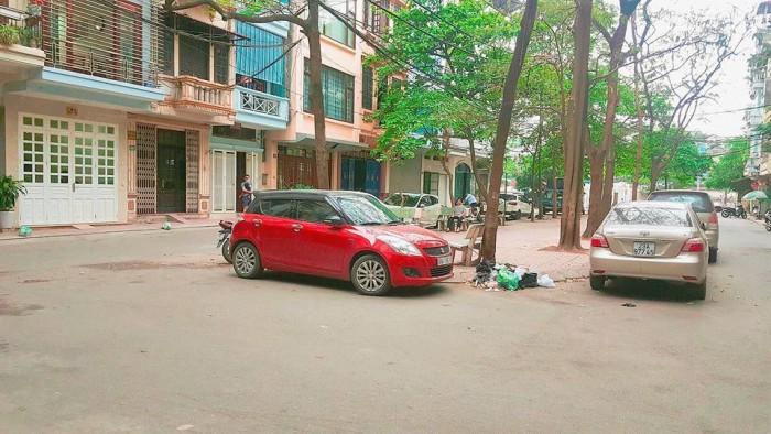 Phân lô Hồng Hà 40m2, ô tô tránh, vỉa hè, không gian sống lý tưởng