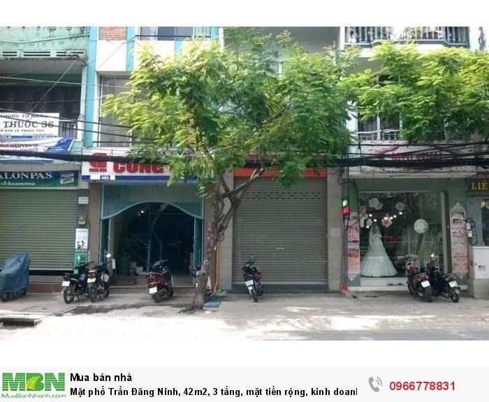 Mặt phố Trần Đăng Ninh, 42m2, 3 tầng, mặt tiền rộng, kinh doanh sầm uất.