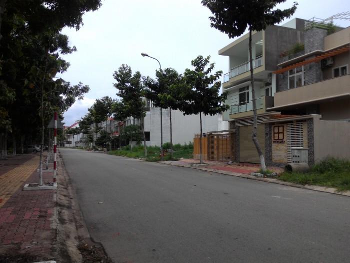 Tôi muốn bán đất đường Nguyễn Duy Trinh quận 2 cho người có nhu cầu