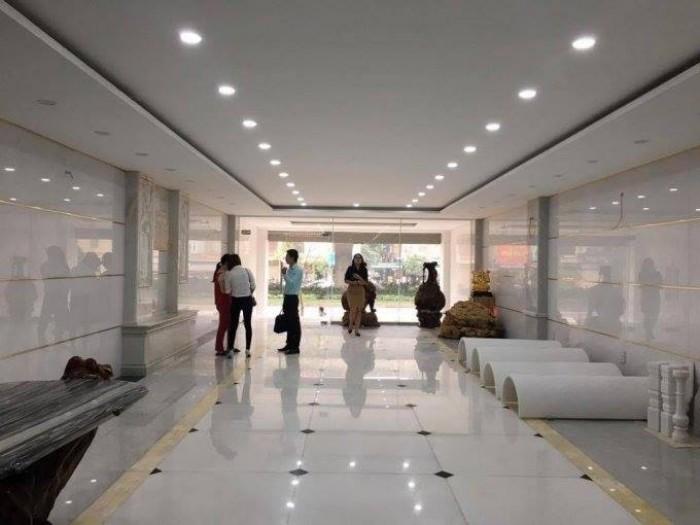 Bán nhà mặt phố Trần Thái Tông, Cầu Giấy, vị trí siêu HOT
