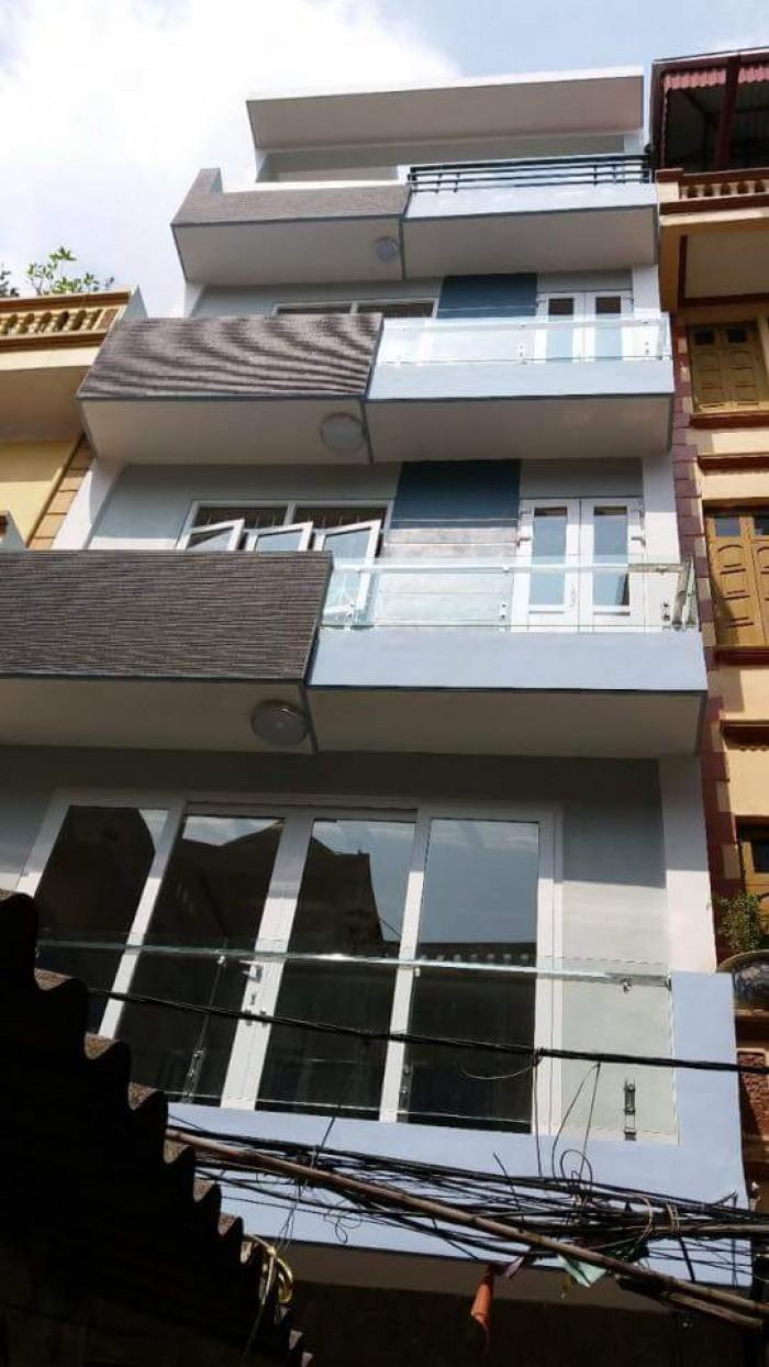 Bán nhà đẹp khu vực Trường Chinh, gara ô tô, DT 60m2