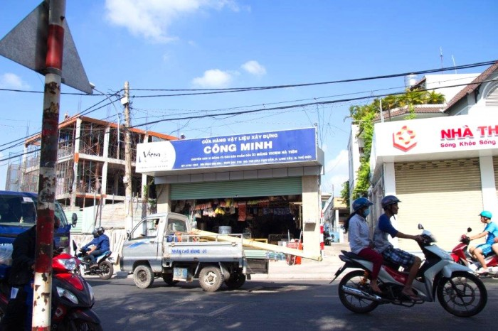 Nhà 2 măt tiền kha vạn cân số 761 gần chợ dt: 201 m2