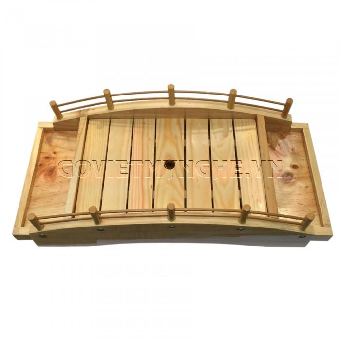 - Cầu gỗ 40cm: Dài 40cm x Rộng 19cm x Cao 12cm (2 tầng + khay lót bên trong)