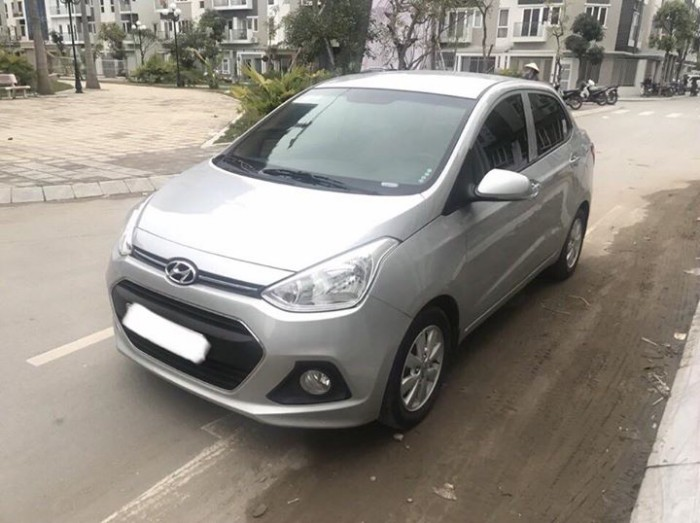 Cần bán xem Hyundai I10 bản 1,2 sedan 2016 số sàn màu bạc 2